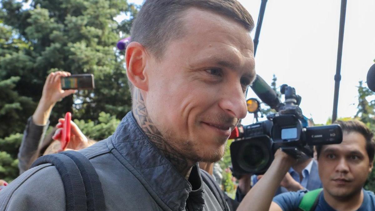 Футболист Павел Мамаев и журналисты