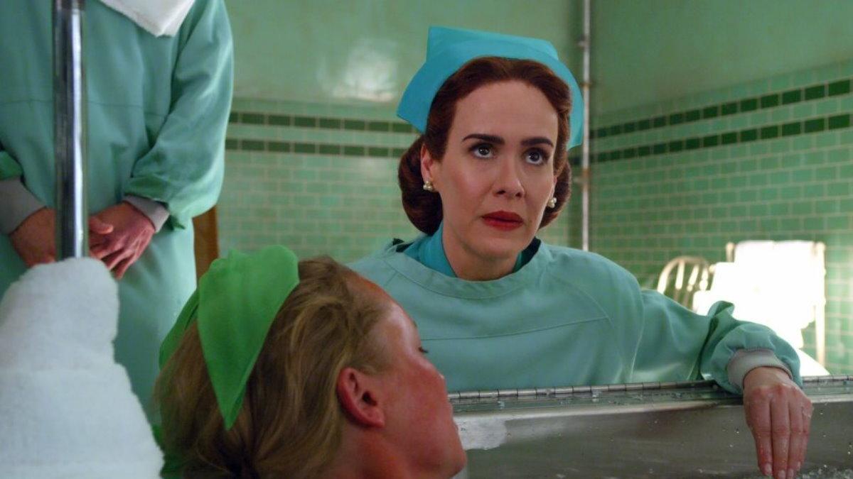 Кадр из сериала Сестра Рэтчед один