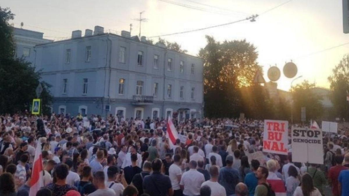 Тысячи протестующих вышли к минскому СИЗО