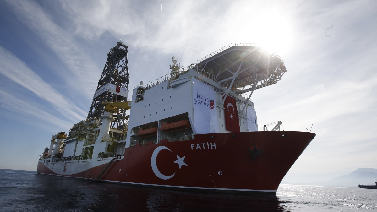 турецкое буровое судно Фатих