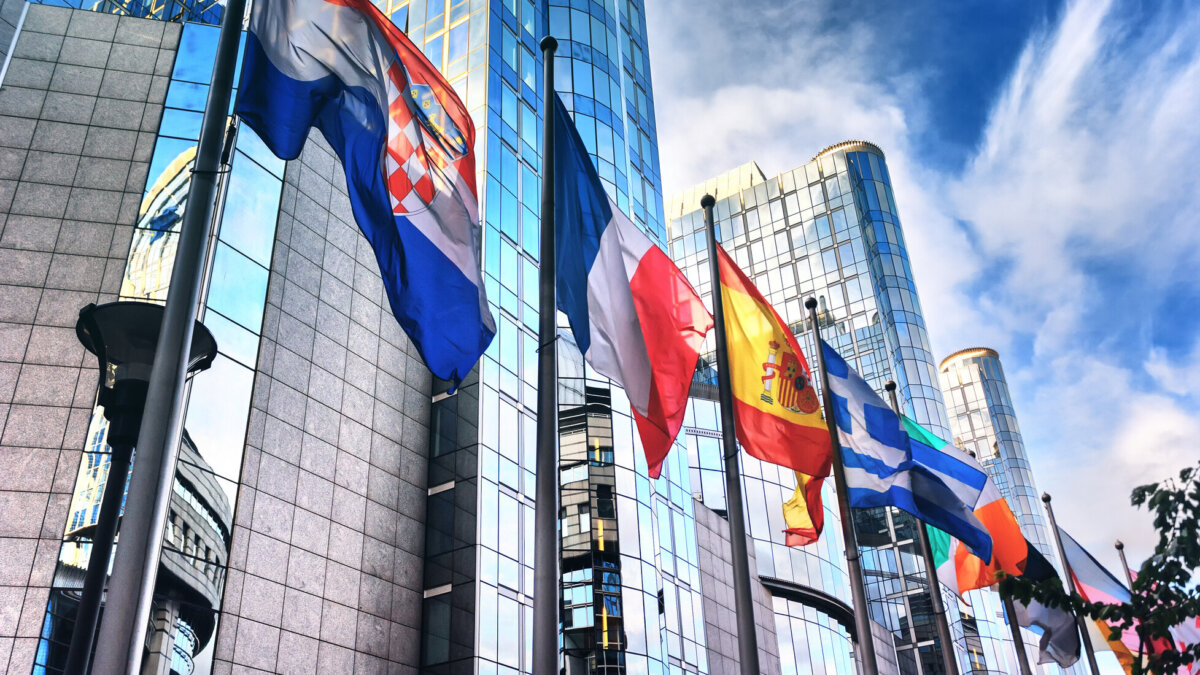 европарламент флаги евросоюз