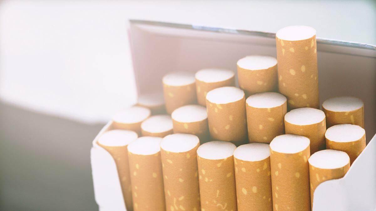 Пачка сигарет сигареты один