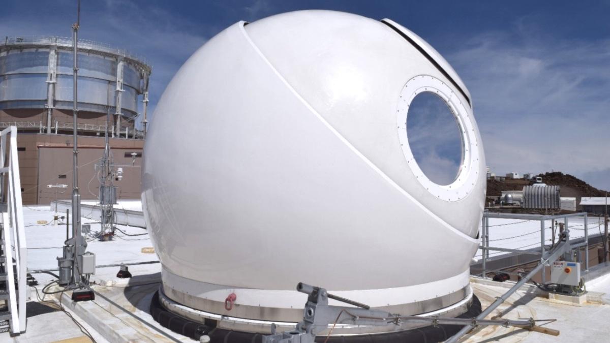 Купол наземной лазерной станции Optical Ground Station 2 (OGS-2)