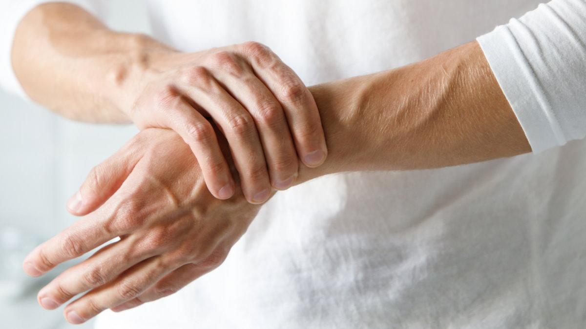 Артрит боль в руке запястье