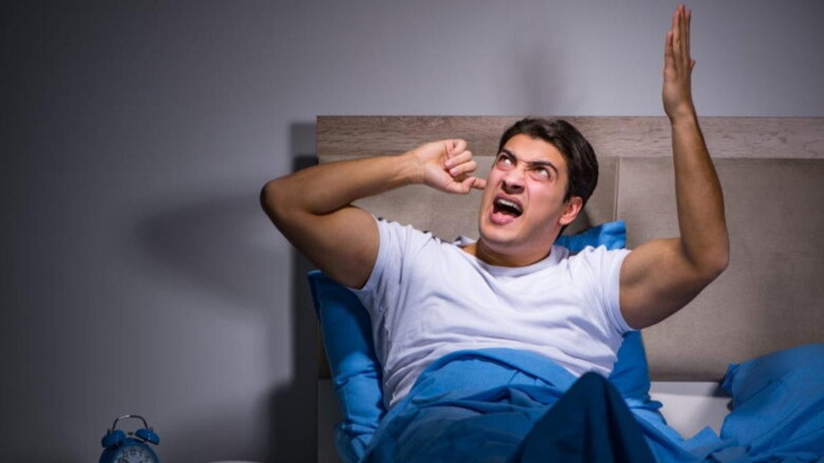 Шумные соседи мешают спать