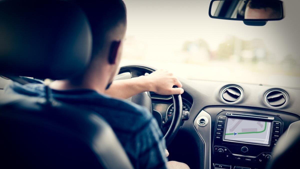 Водитель навигатор