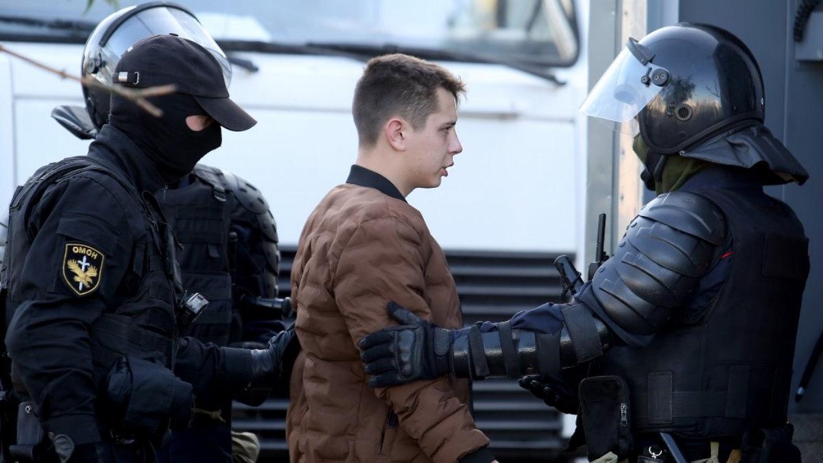 Белоруссия Беларусь задержание ОМОН два