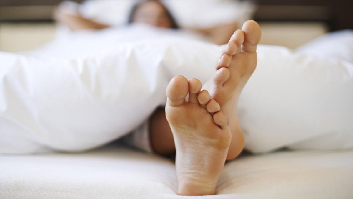 Спать сон женщина ноги отдых
