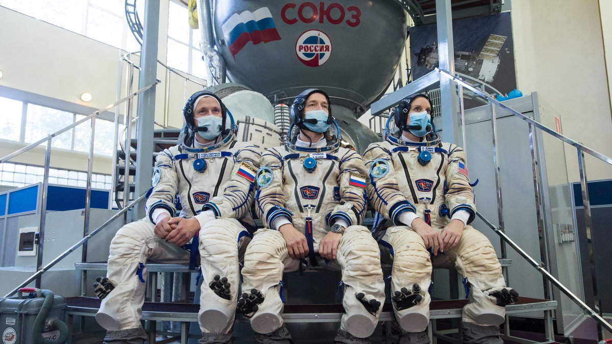 Экипаж корабля Союз МС-17