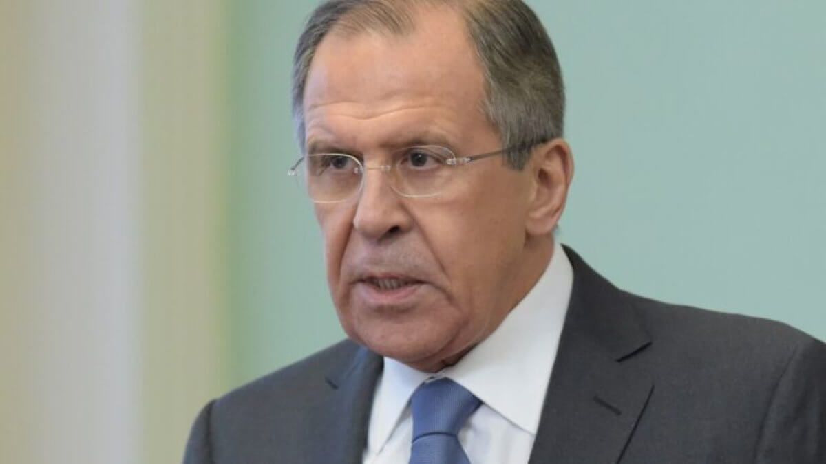 Министр иностранных дел Сергей Лавров говорит два