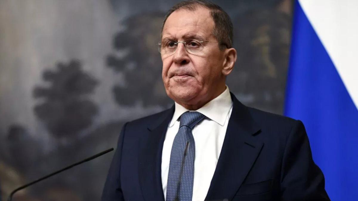 Министр иностранных дел Сергей Лавров серьёзный два