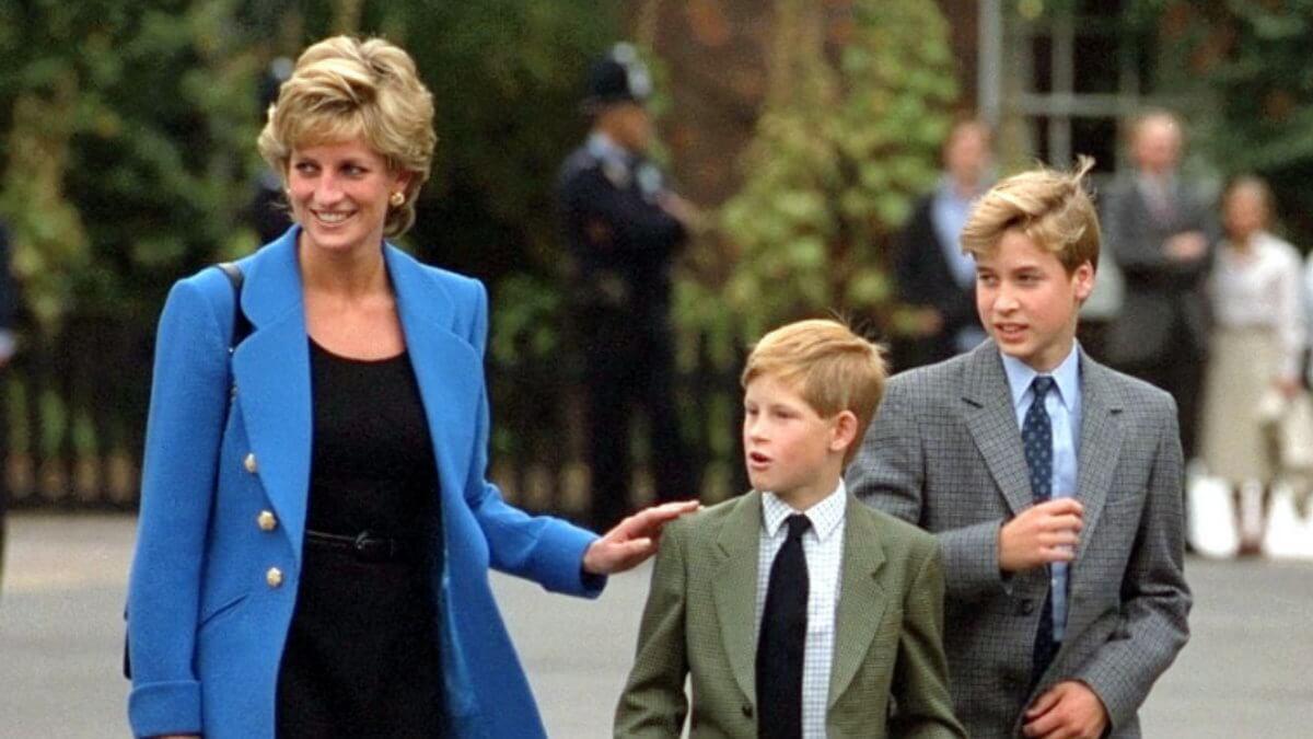 Принцесса Диана с сыновьями Гарри и Уильямом