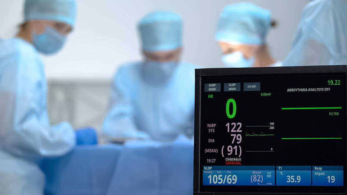 смерть остановка сердца реанимация хирург операция
