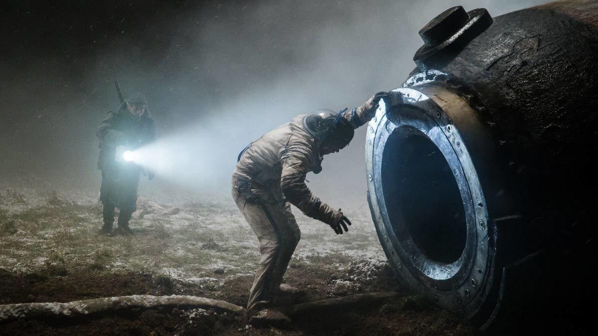 "кадр из фильма ""Спутник"""