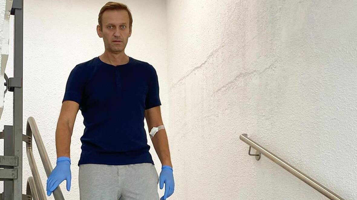 Алексей Навальный на лестнице