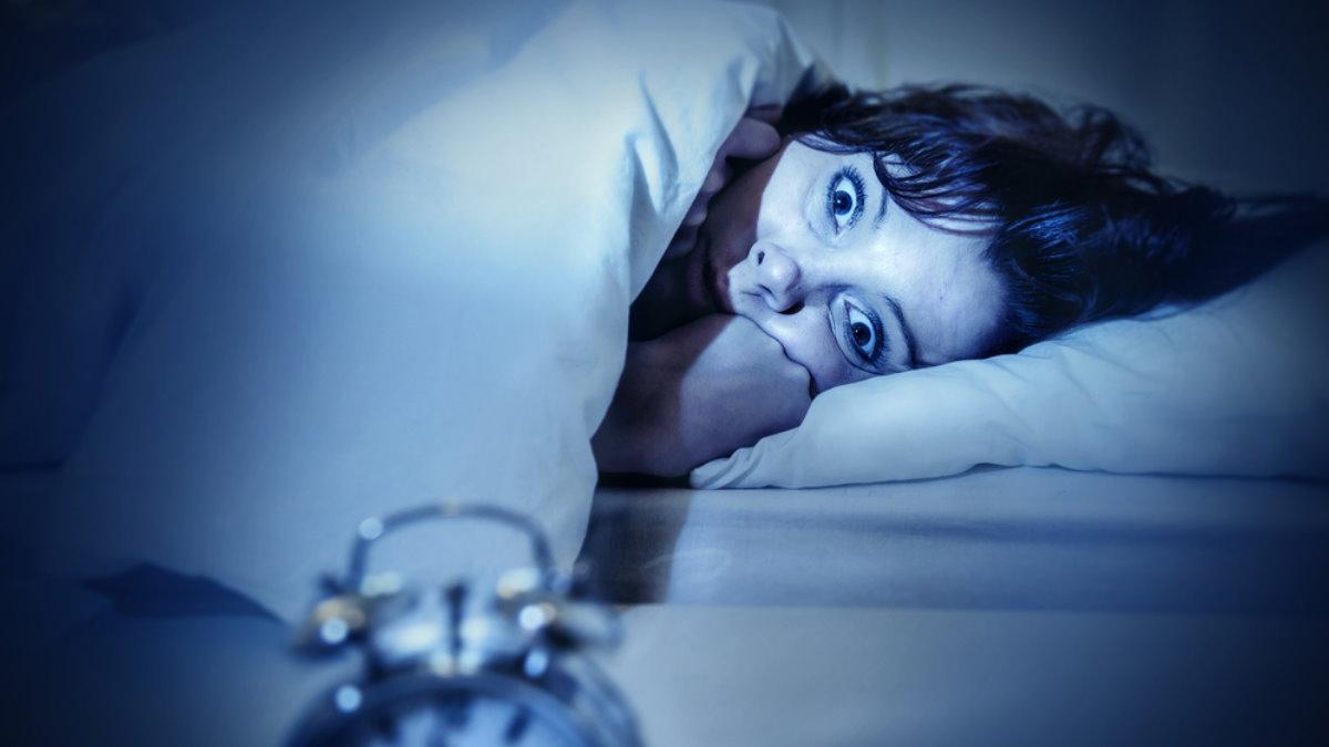 Кошмар женщина плохой сон страх