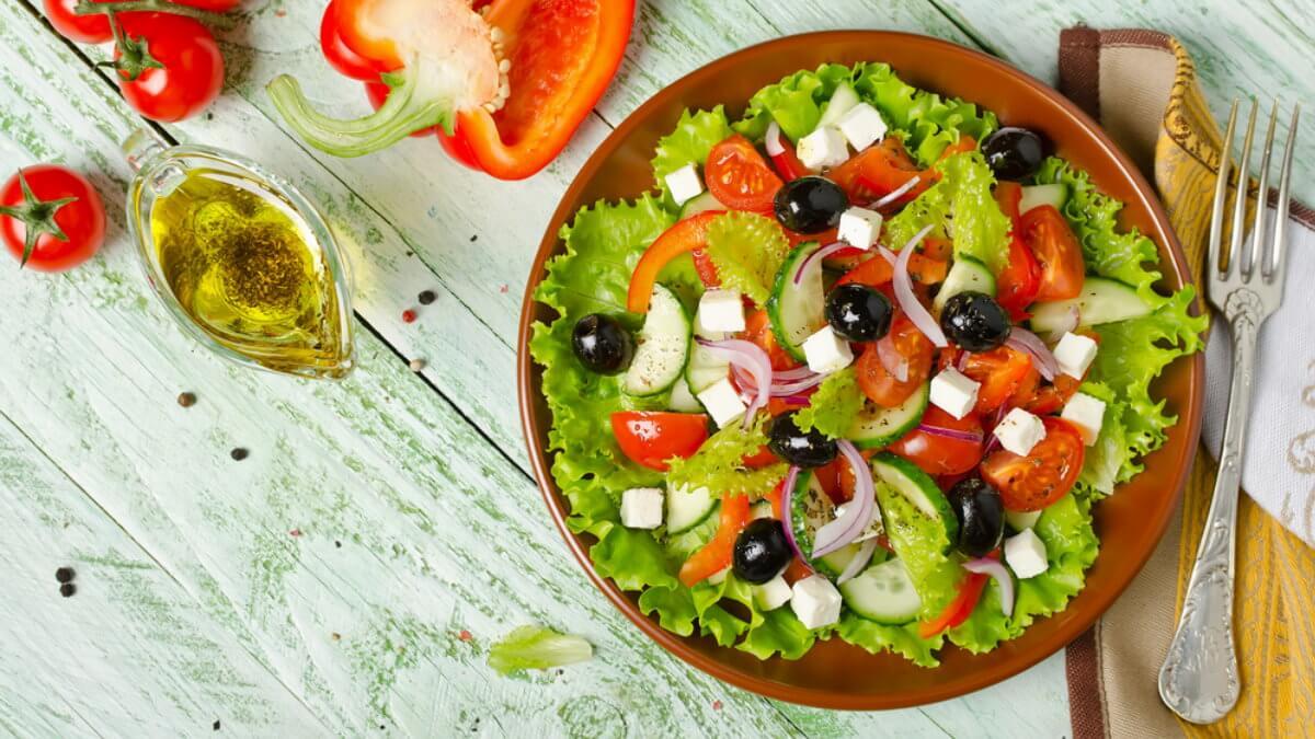 Греческий салат средиземноморская диета один