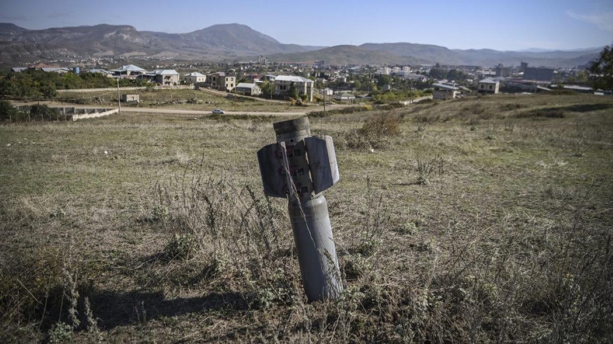 Нагорный Карабах конфликт Армения Азербайджан ракета БМ-30 Смерч