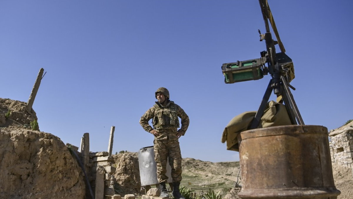 Армянский солдат конфликт Нагорный Карабах перемирие