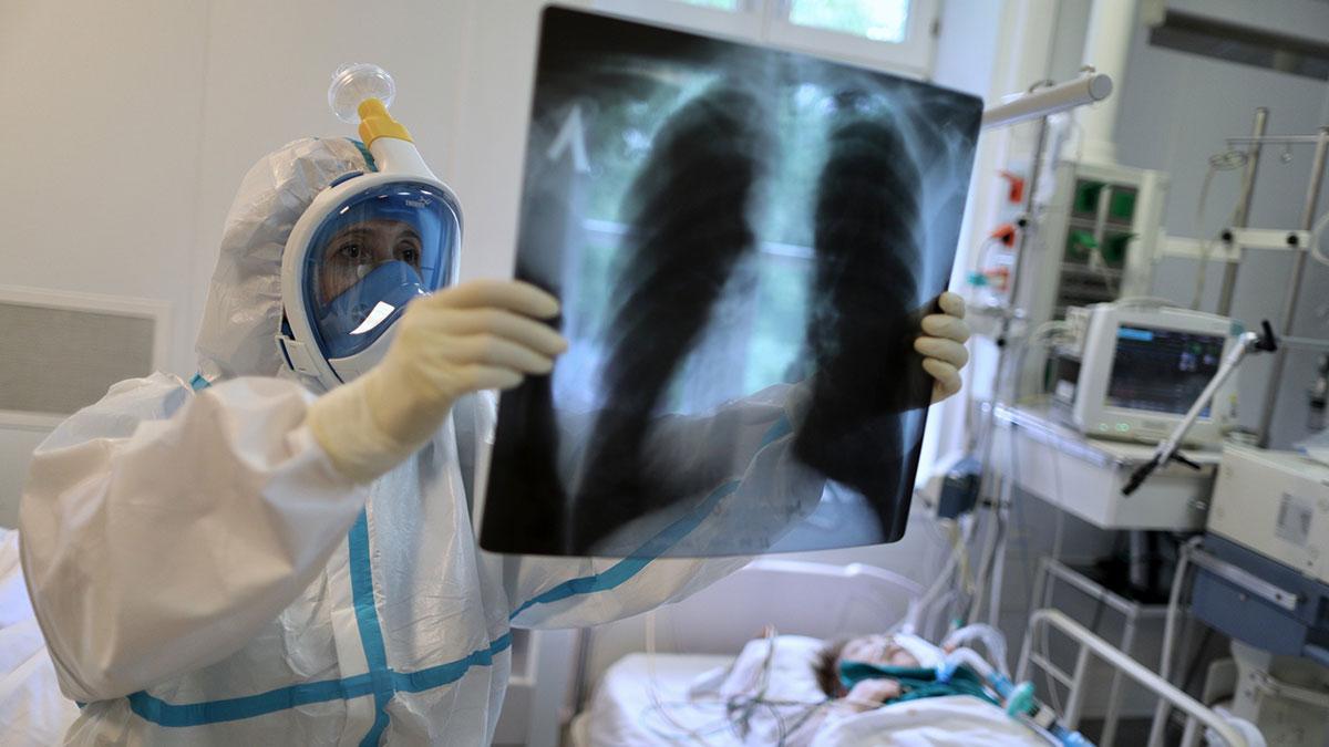 Работа врачей с больными коронавирусом