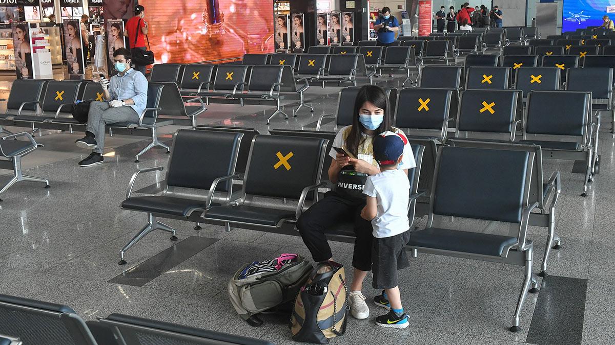 аэропорт внуково зал ожидания коронавирус covid-19 масочный режим локдаун