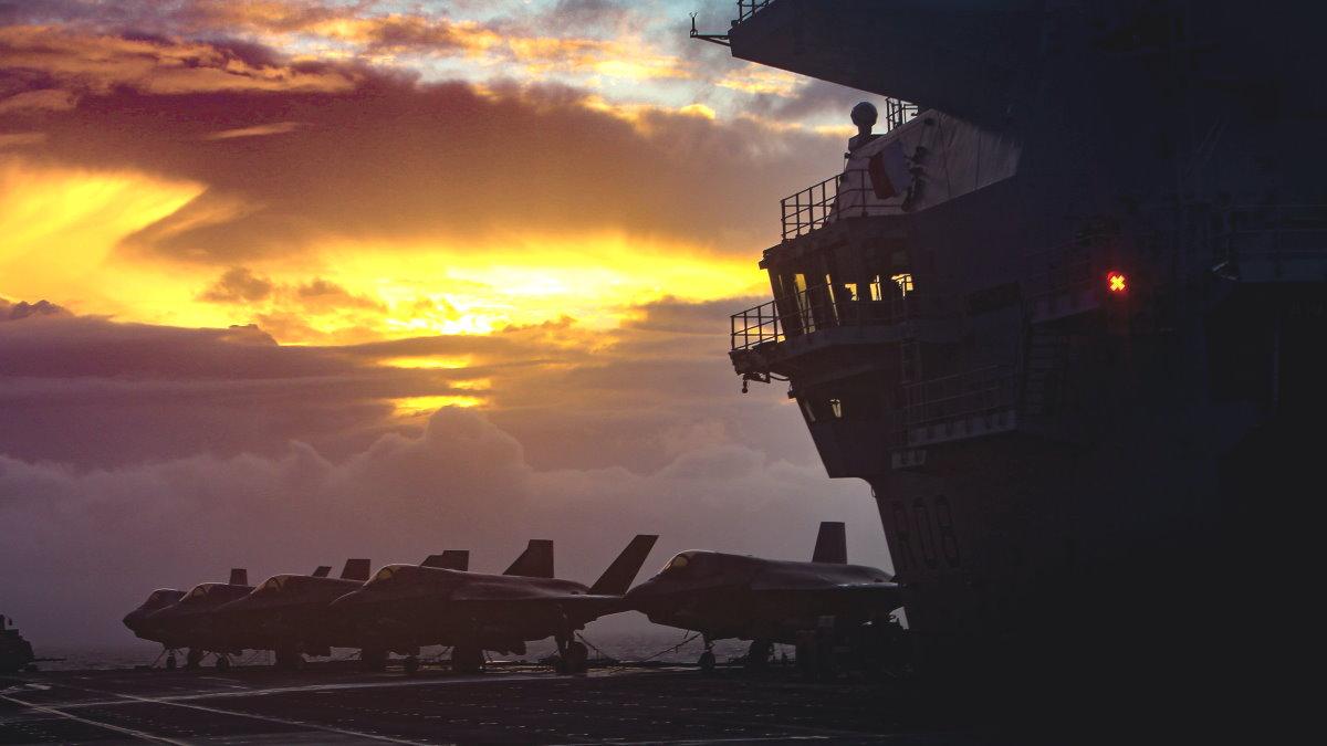 Авианосец Великобритания HMS Queen Elizabeth истребитель F-35B Lightning II