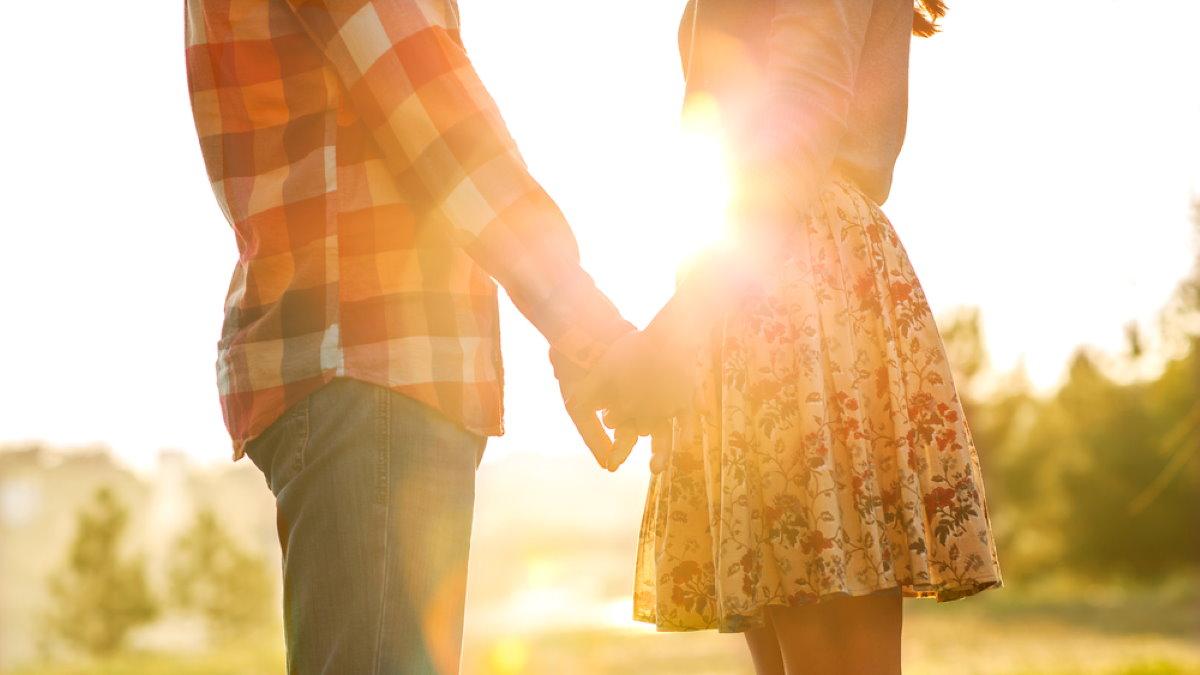 Семья семейная молодая пара любовь один