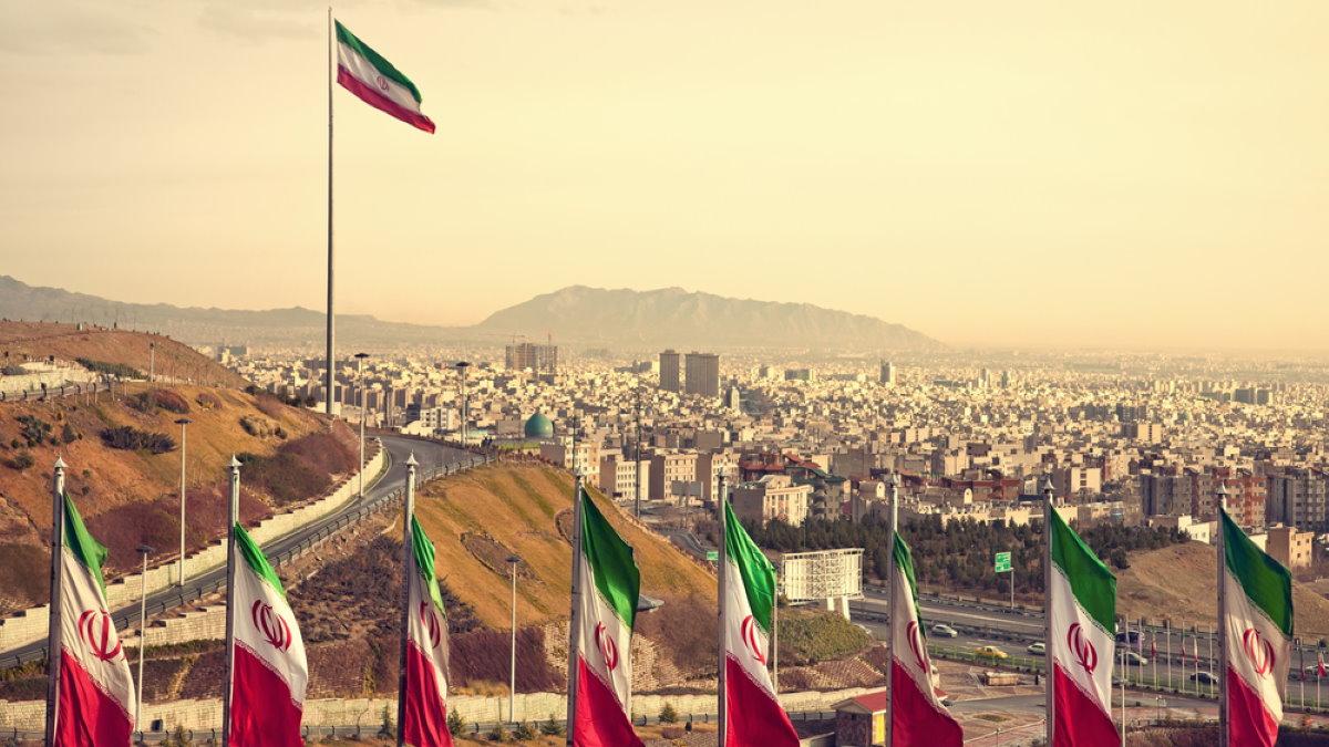 Тегеран Иран флаги один