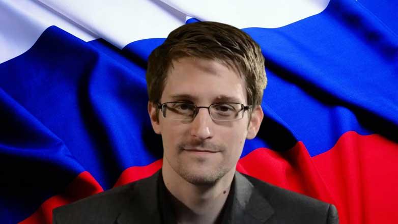 Эдвард Сноуден флаг России