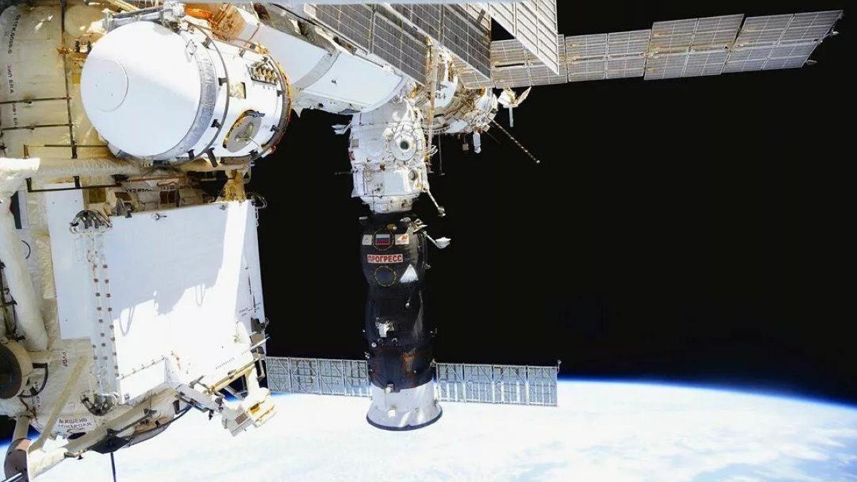 МКС Международная космическая станция грузовой корабль Прогресс