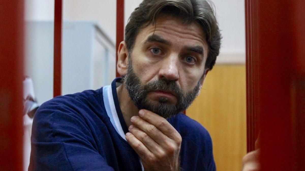 Михаил Абызов один