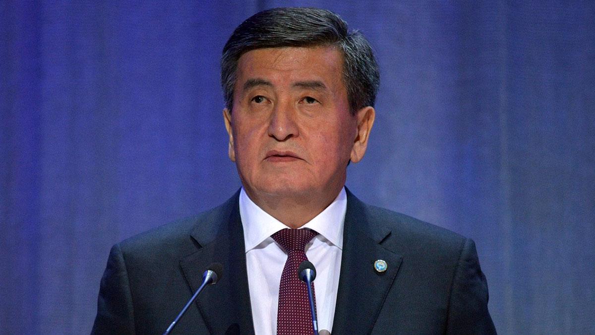 Сооронбай Жээнбеков президент Киргизской Республики