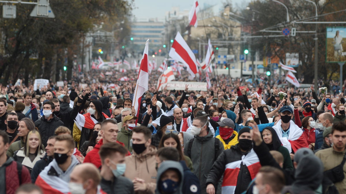 Беларусь Белоруссия Минск протесты протестующие марш два