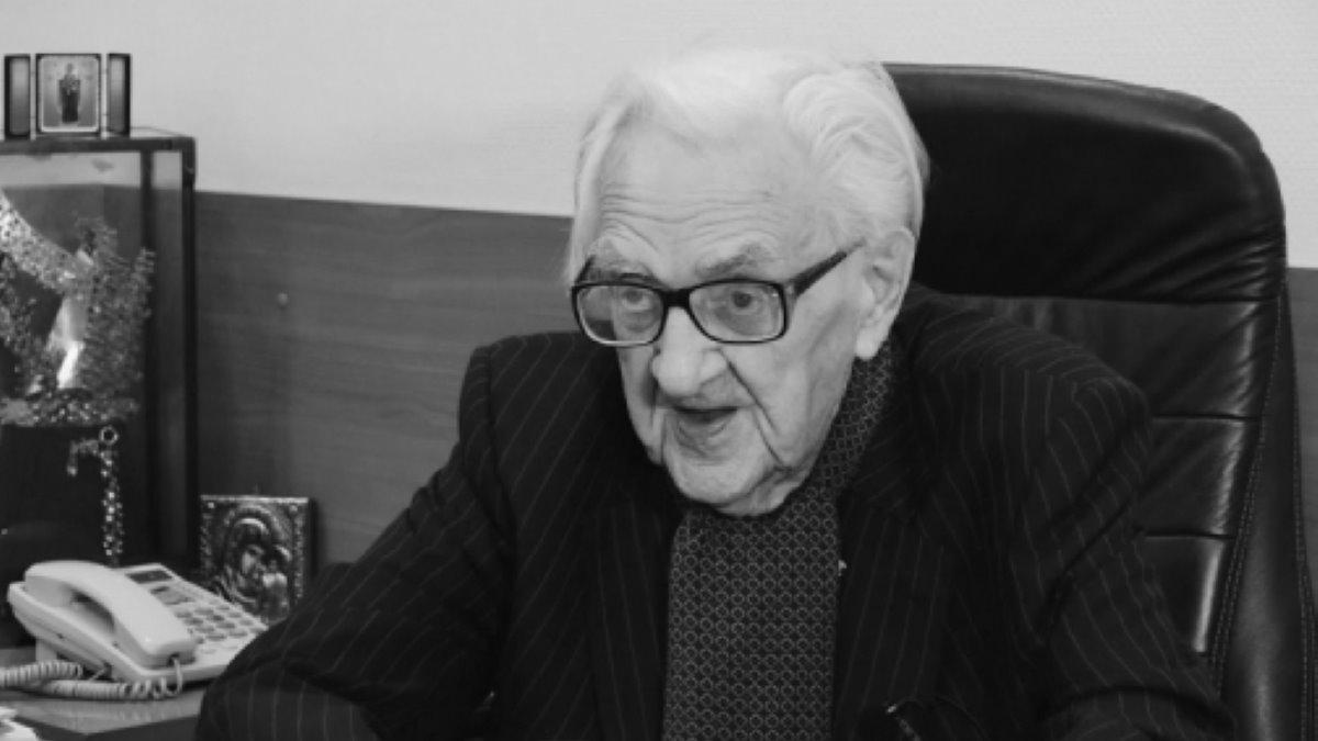 Умер Валентин Покровский