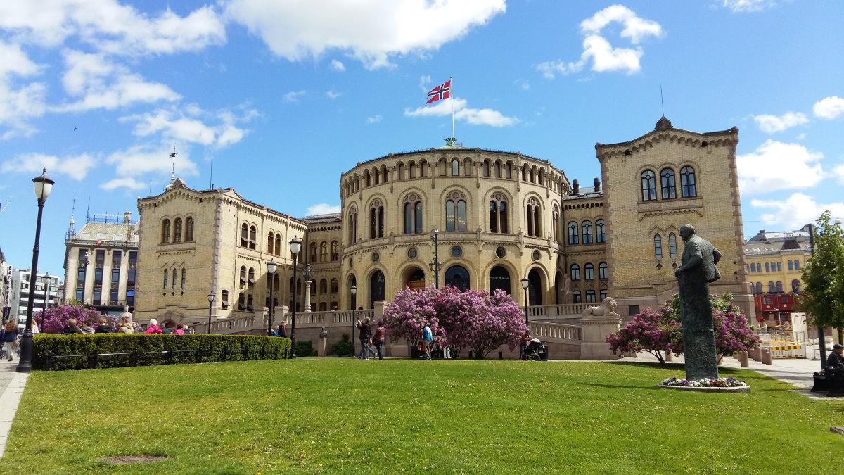 Здание парламента Норвегии в Осло