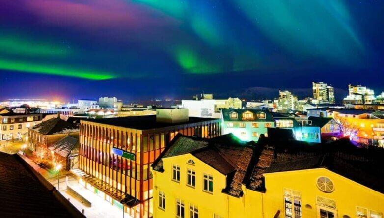 Рейкьявик, Исландия, северное сияние
