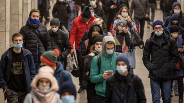 многие люди носят маску неправильно