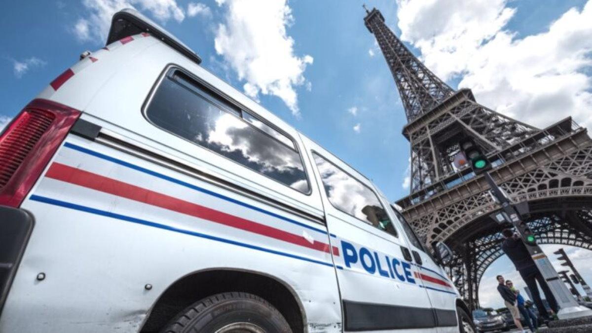 Франция Париж полиция