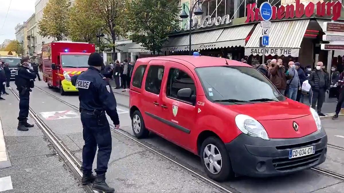 теракт в ницце нападение полиция скорая помощь