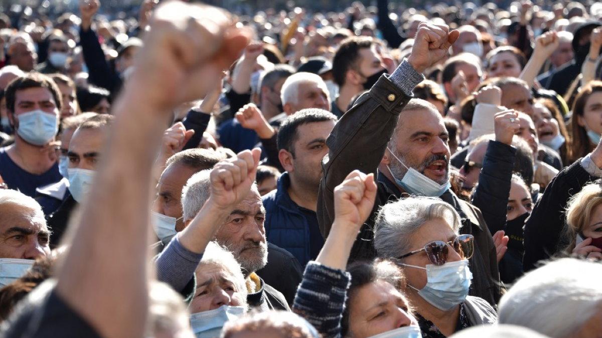 Армения Нагорный Карабах протесты митинг один