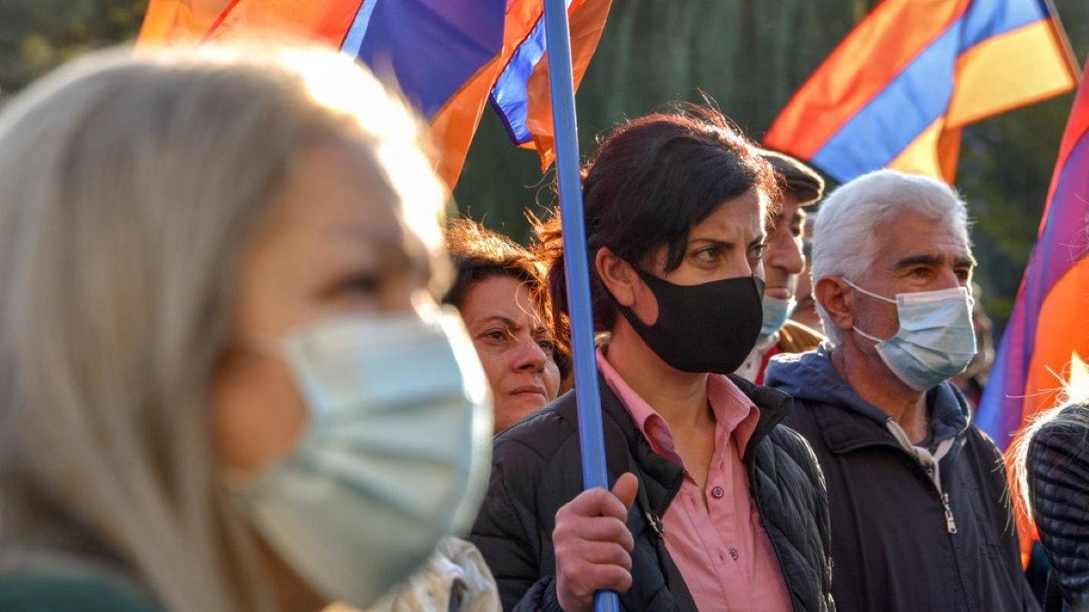 Армения Нагорный Карабах протесты митинг два