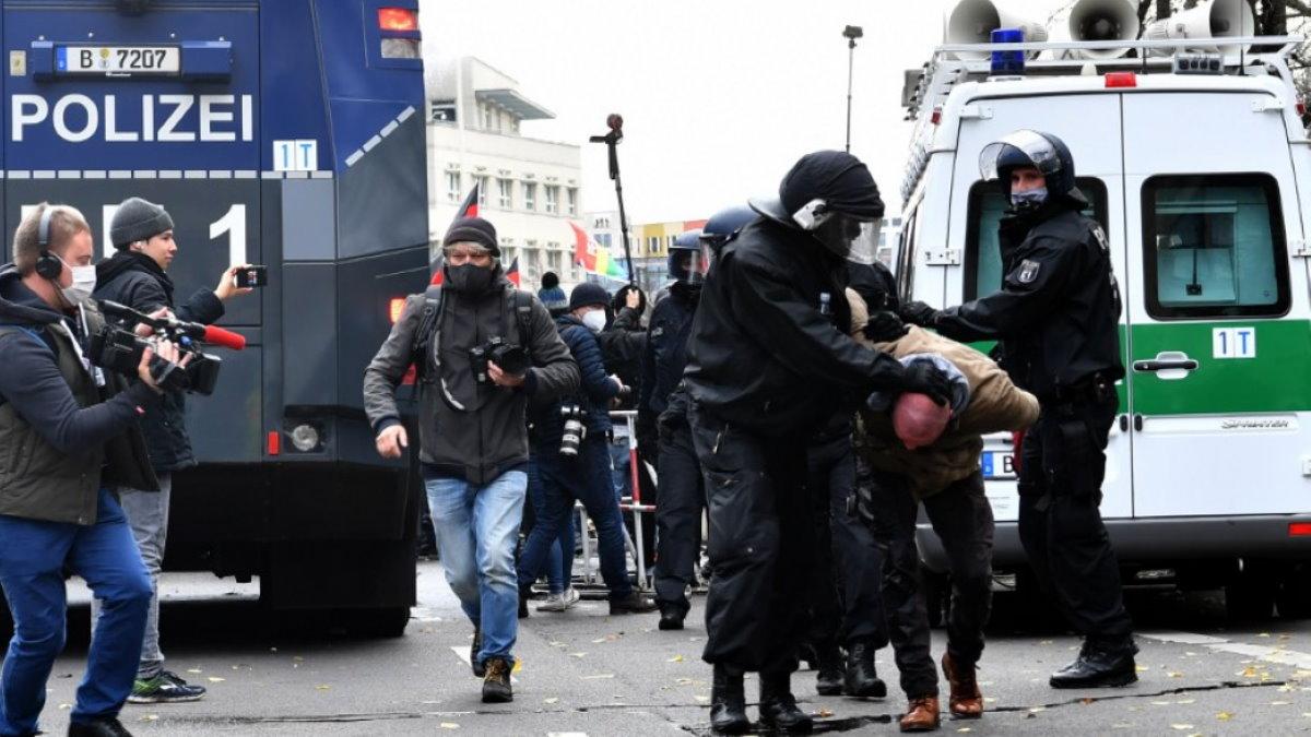 Германия протесты полиция антикарантинная акция задержание аресты