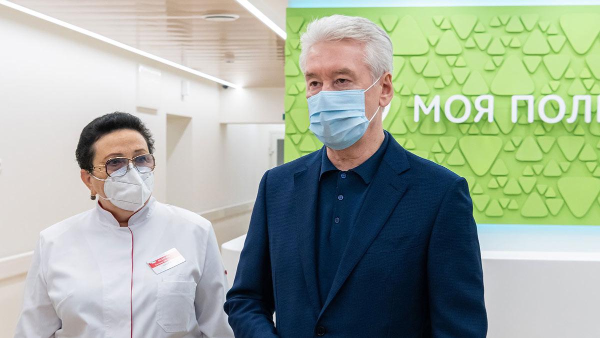 Мэр Москвы Сергей Собянин в маске врачи интервью коронавирус