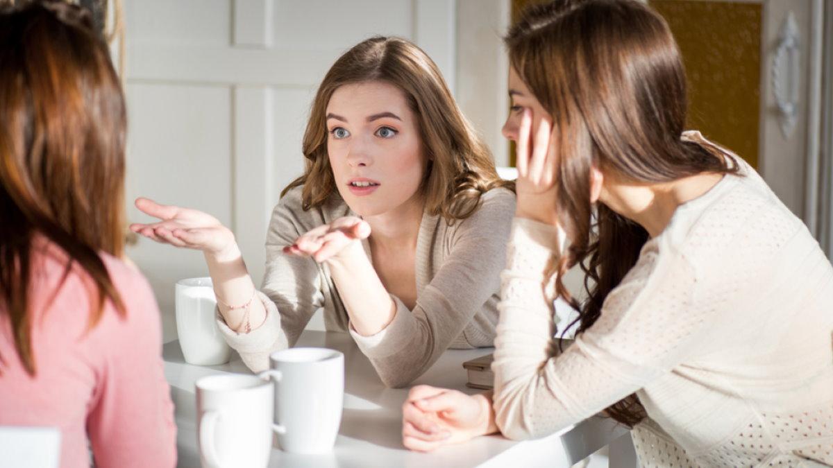 Подруги девушки разговор друзья