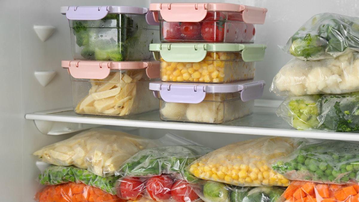 Замороженные овощи в холодильнике