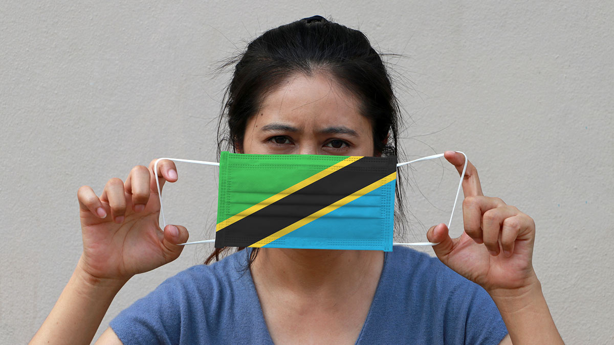 женщина маска флаг Танзании