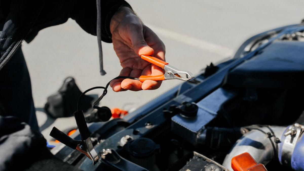 Зарядка аккумулятора прикурить машина автомобиль один