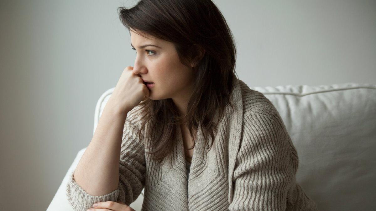 Тревога беспокойство женщина два