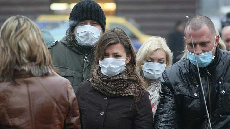 люди улица маски тревога