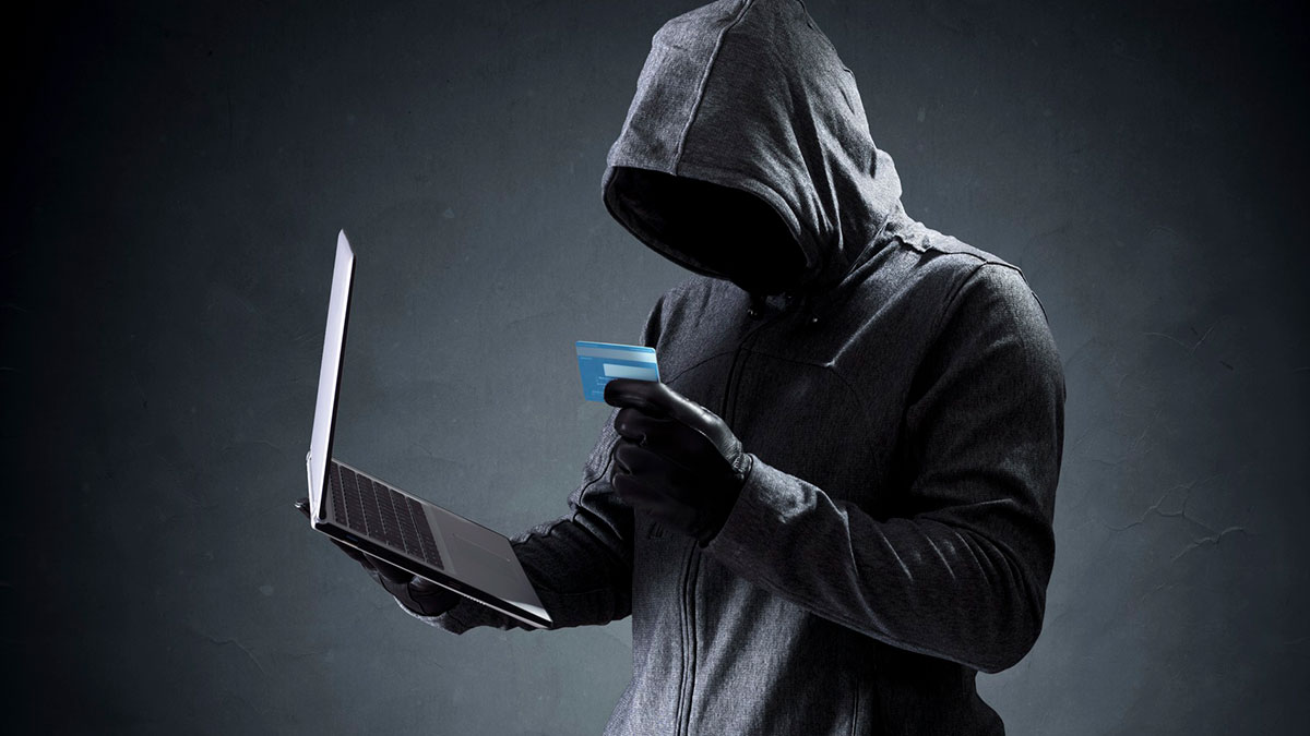 мошенник хакер кража денег с кредитной карты
